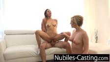 Casting Porno Practicando un Trio Con Morena y Rubia