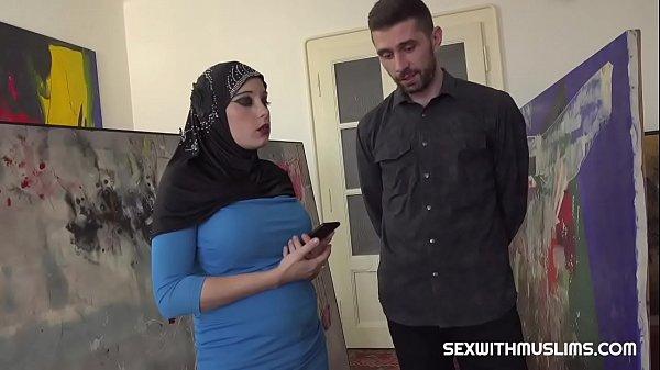 Milf Muslim Follando con Artista en HD